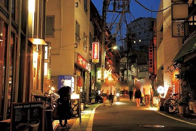 神泉の夜の街並
