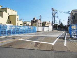 東北沢駅付近の線路跡地